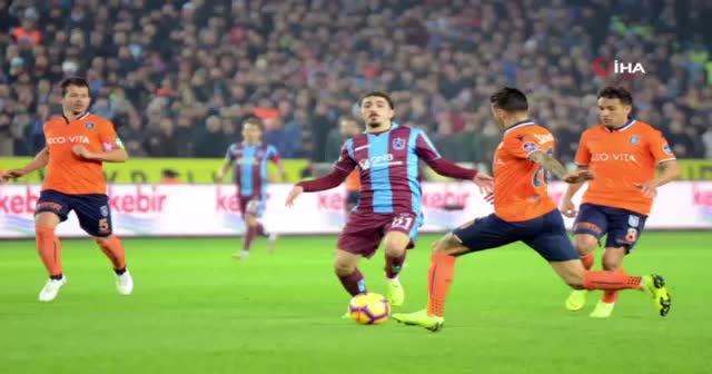 Trabzonspor Başakşehir Maçı geniş özeti golleri izle! Trabzonspor Başakşehir maç özeti!