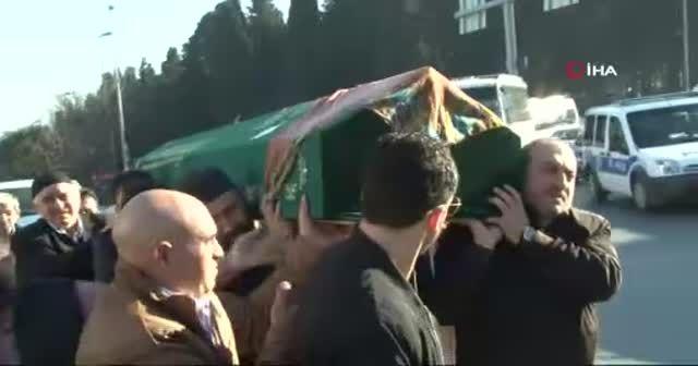 Araçta öldürdüğü eşinin cenazesiyle 40 dakika dolaştı