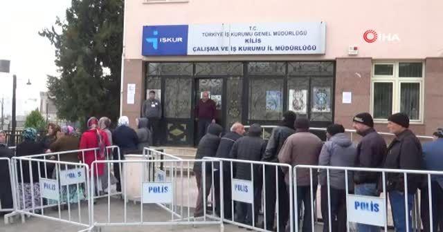 Kilis'te 6 aylık geçici iş için kuyruk oluştu