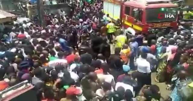 Nijerya'da çöken binanın enkazından 7 öğrenci kurtarıldı