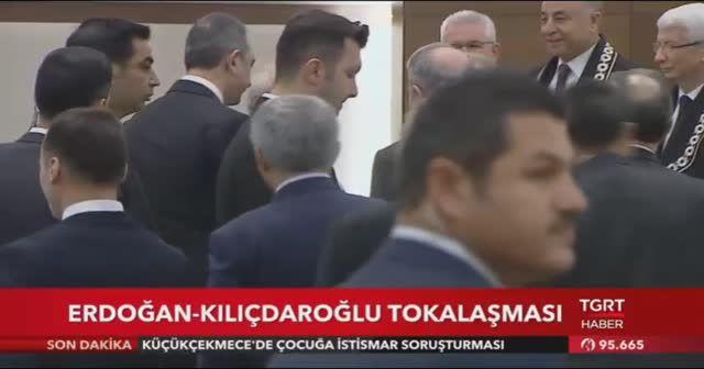 Cumhurbaşkanı Erdoğan ve Kılıçdaroğlu tokalaştı