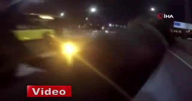 İstanbul'da motosikletli magandanın kız arkadaşıyla tek teker terörü kamerada