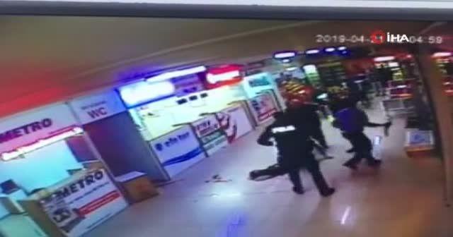 Kız arkadaşına mesaj attı diye pompalı tüfekle yaraladı