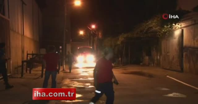 Adana'da geri dönüşüm fabrikası alev alev yandı