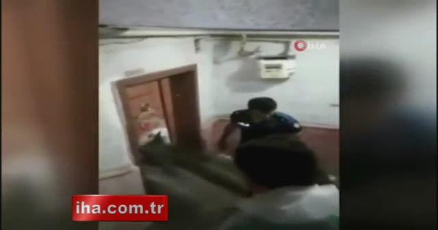 Evin içinde anne ve kızı boğulmaktan son anda kurtarıldı
