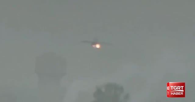 Hindistan'da kuş sürüsüne çarpan savaş uçağı bombalarını piste bıraktı