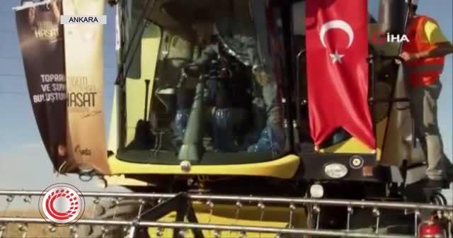 Cumhurbaşkanı Erdoğan biçerdöver kullandı