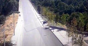 Düz yolda ilerleyen araç Dicle'ye uçtu
