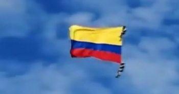 Kolombiya'da hava gösterisinde düşen 2 asker hayatını kaybetti