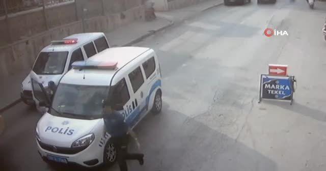 Maaşını alamayınca hem kepçeyi hem polis memurunu kaçırdı