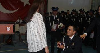 POMEM Mezuniyet töreninde sürpriz evlenme teklifi