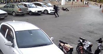 Maskeli saldırganın tüfekle vurma anı kamerada