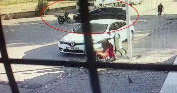 Motosiklet sürücüsü otomobile çarparak öldü