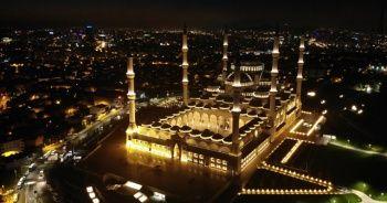 Çamlıca Camii'nde 'Barış Pınarı' için Fetih suresi okundu