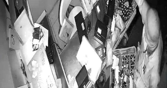 'Sepetli' hırsızlar 2 dakikada dükkanı talan etti