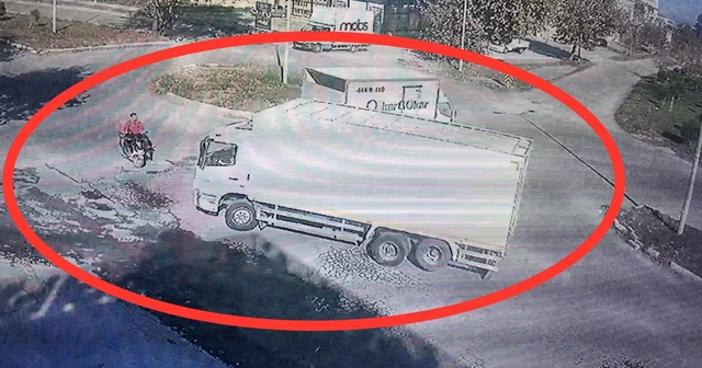 Kaza anı güvenlik kamerası tarafından saniye saniye görüntülendi