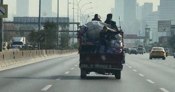E-5'te kamyonet kasasında şaşkına çeviren yolculuk kamerada