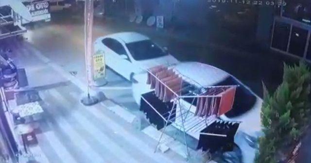 Otomobil sürücüsü, dalgınlığının bedelini kaza yaparak ödedi