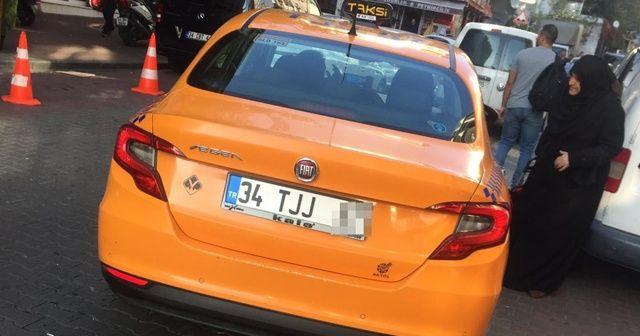 Taksici telefonunu unutan turistten 150 lira aldı