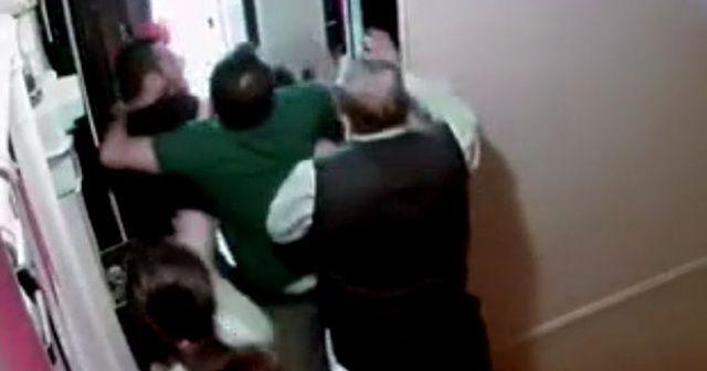 Komşularına saldıran baba ve 2 oğlu tutuklandı