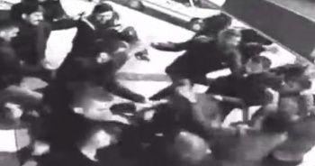 20 kişilik grup, 3 kişiyi öldüresiye dövdü