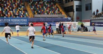 60.Yıl Atletizm Şampiyonası'nda miniklerden kıyasıya mücadele