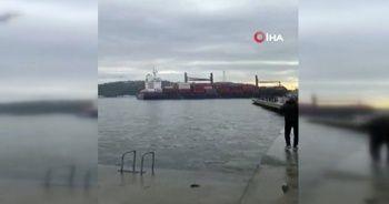Rumeli Hisarı açıklarında bir yük gemisi kıyıya çarptı!