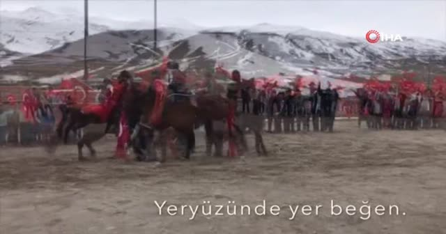 Öğrencilerin at sırtında Türk bayraklı klibi binlerce beğeni aldı