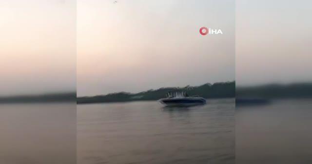 Akrobasi uçağının düştüğü anlar kamerada