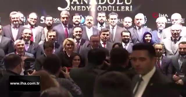 Batuhan Yaşar'a 'Yılın Araştırmacı Gazetecisi' ödülü!