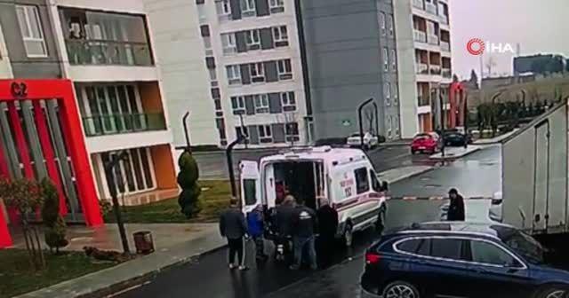 Avcılar'da sitenin bahçesine uçan kamyon kamerada