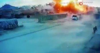 Azez'de patlama anı kamerada