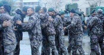 Barış Pınarı Harekatı'ndan dönen PÖH mehterle karşılandı