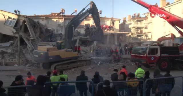 Elazığ'da süren enkaz çalışmaları havadan görüntülendi