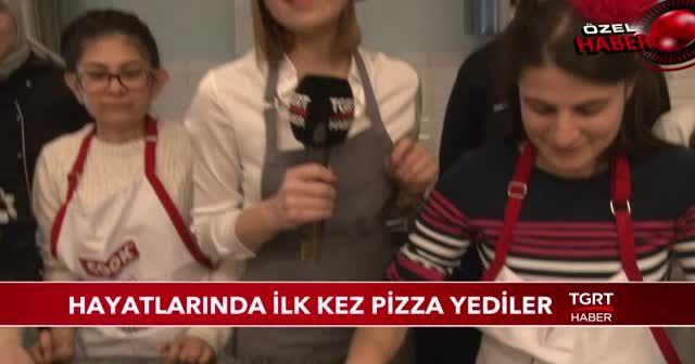 Hayatlarında hiç pizza yemediler