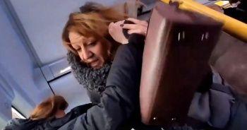 Kadınların otobüsteki yer kavgası kamerada