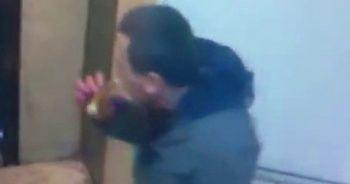 Simit yiyen hırsız kameraya yakalandı