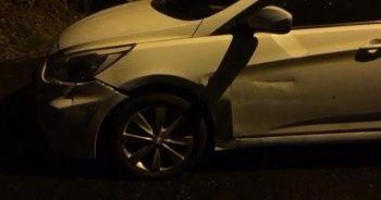 Şoför ölü arka koltuktaki yolcu ağır yaralı bulundu