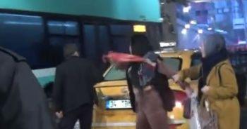 Ücreti vermeyen Romanyalı kadın turist taksiciye şemsiyeyle saldırdı