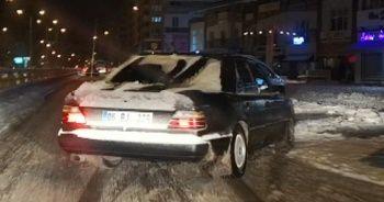 Karlı yolda drift atan alkollü stajyer sürücü gözaltına alındı
