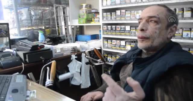 Minibüs tekerlekli sandalyede giden engelliye çarptı! O anlar saniye saniye kaydedildi
