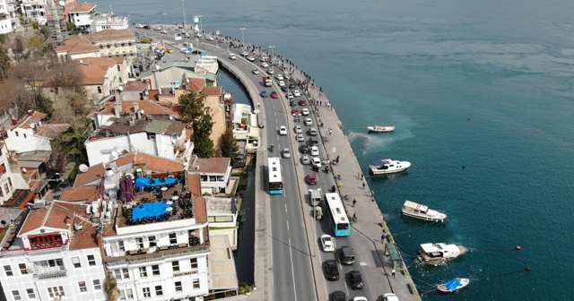 Arnavutköy Bebek sahil yolunda trafik kilitlendi