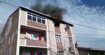 Apartman dairesinin alev alev yandığı anlar kamerada