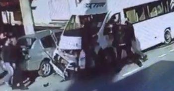 Kaza sonrası tekme tokat dövdü
