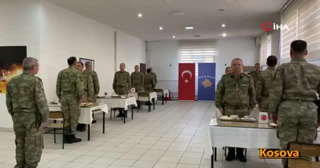 MSB Mehmetçiğin ilk iftar görüntülerini paylaştı