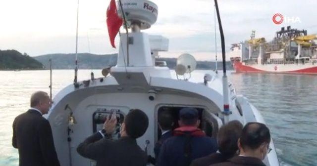 Fahrettin Altun, Fatih sondaj gemisinin uğurladığı anları paylaştı