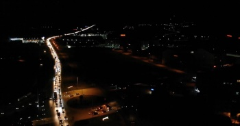 43 ilin geçiş güzergahındaki trafik yoğunluğu havadan görüntülendi