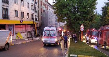 Bahçelievler'de patlama oldu, çok sayıda ambulans olay yerinde