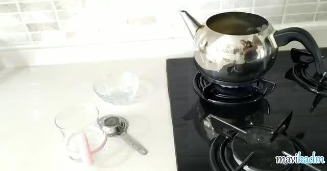En Lezzetli Defne Yaprağı Çayı Nasıl Yapılır?