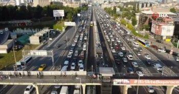 İstanbul'da akşam saatlerinde trafik yoğunluğu oluştu